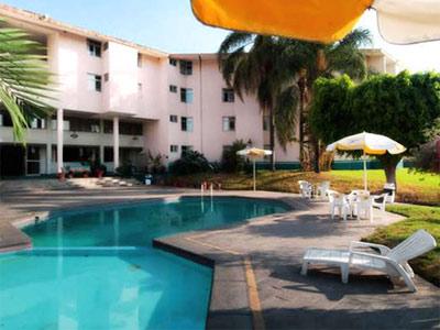 Vista junior terminal guadalajara hotel en for Hoteles con piscina en guadalajara