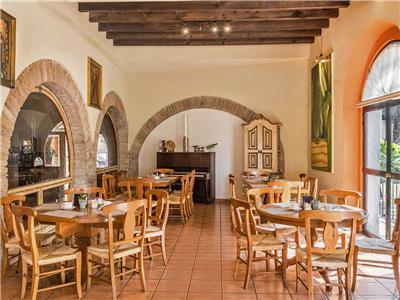 Los Arcangeles Restaurant