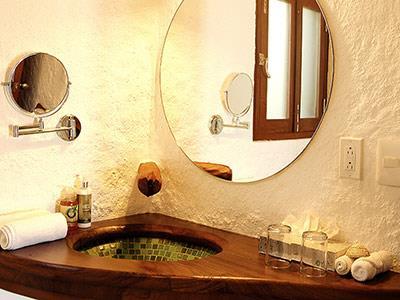 Ocean View Room - Bathroom