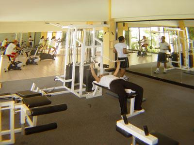 Crown pacific huatulco by park royal for Gimnasio pacific