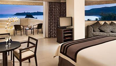Preferred Club Jr. Suite Ocean Front with Jacuzzi
