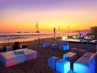 Table Setting on the Beach