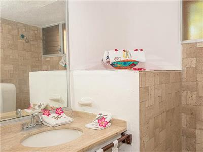 Standard - Ocean View - Bathroom
