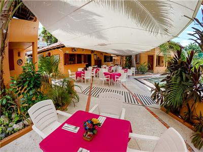 El Jardin Bar Restaurant
