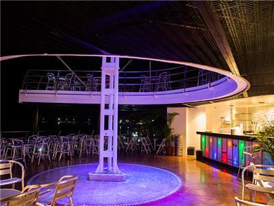 Sea Breeze Lounge and Disco