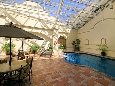 Fotograf as del hotel holiday inn le n centro de - Hoteles en leon con piscina ...