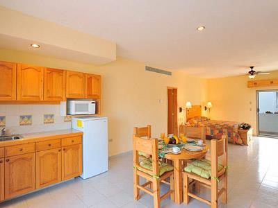 Suite con Dos Habitaciones -  Vista Alternativa