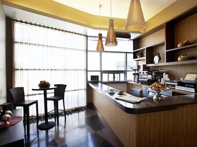 Lobby Level Café