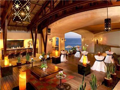 Infinity Lounge Lobby Bar