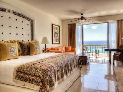 Junior Suite Ocean Front with Balcony