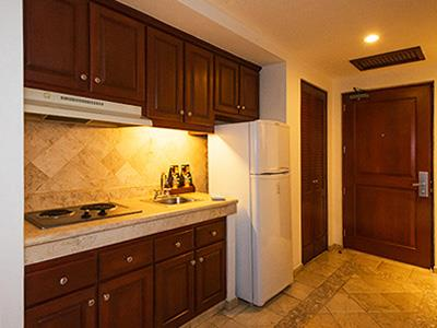 Deluxe Junior Suite - Kitchen