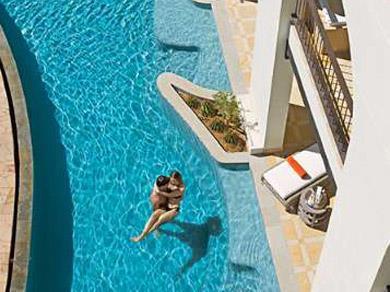 Junior Suite Swim Out Vista al Jardín