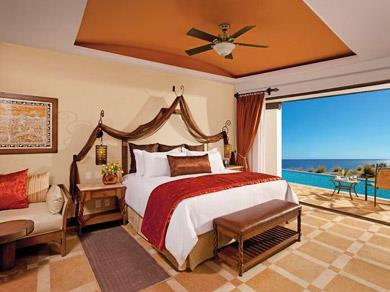 Preferred Club Junior Suite Swim Out Ocean Front