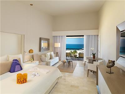 Family Concierge Suite Oceanfront