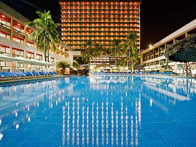 Fotograf as del hotel el cid castilla beach hotel for Isla leon piscina