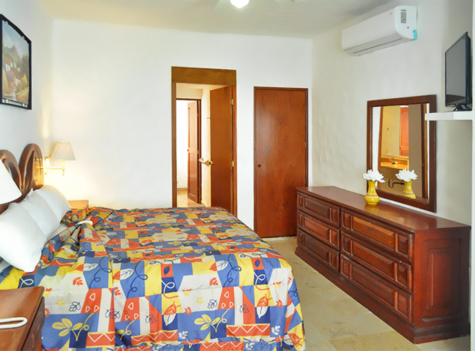 Suite with Two Double Beds and Kitchenette