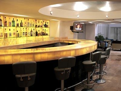 Dominoe's Lounge