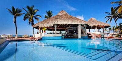 Piscina y Restaurante Oasis