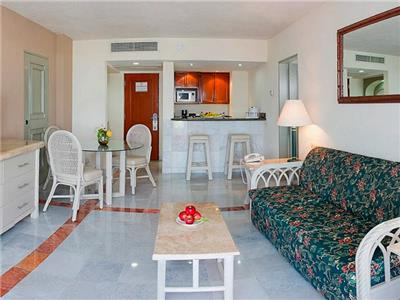 Suite Vista Al Mar 1 Cama King y 1 Cama Doble,