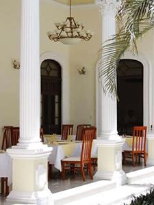 Restaurante El Emperador - Terraza