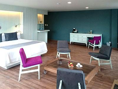 Master Suite with breakfast