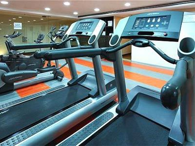 Holiday inn plaza universidad hotel en insurgentes for Gimnasio cerca de aqui