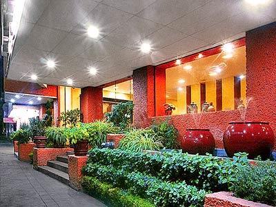 Hotel sybharis autoritas hotel en insurgentes for Hoteles en insurgentes