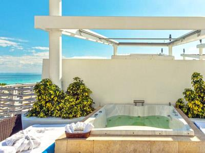 Beachside Jacuzzi