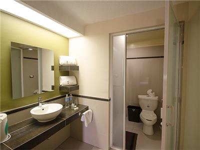 Executive - Bathroom