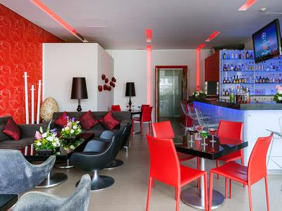 Red Martini Bar