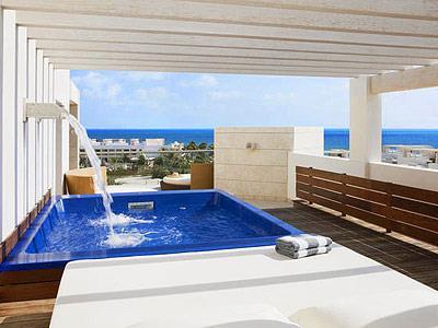 Suite con Terraza con Vista al Mar con Tina