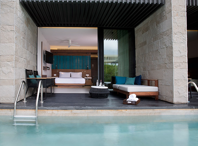 aPlaya-del-Carmen-Hyatt-Swim-up-room Grand Hyatt Playa del Carmen Resort