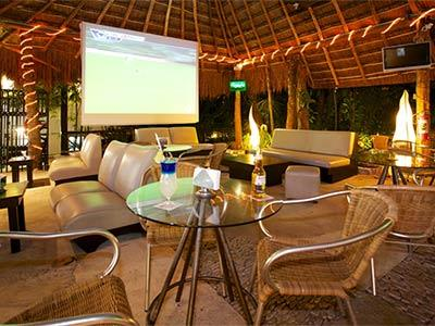 Living Garden Bar