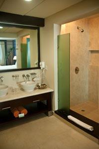Master Suite con Dos Recámaras - Baño