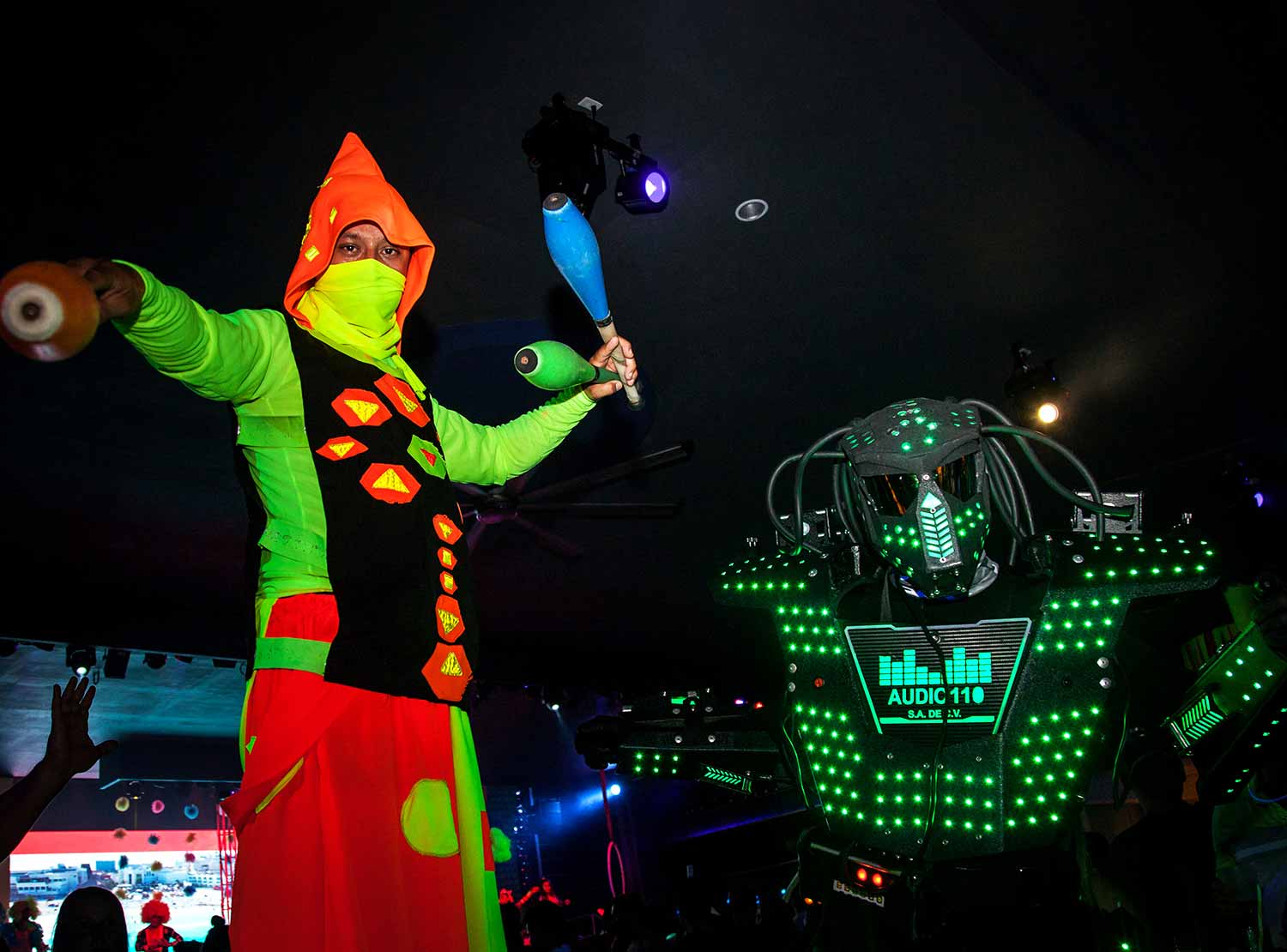 Riu Get Together Party - Neon Party )