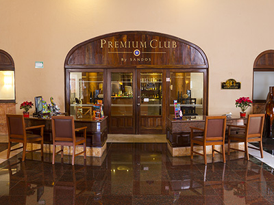 Sandos Premium Club Bar by Meeting Point