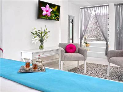 Mosaic Master Suite