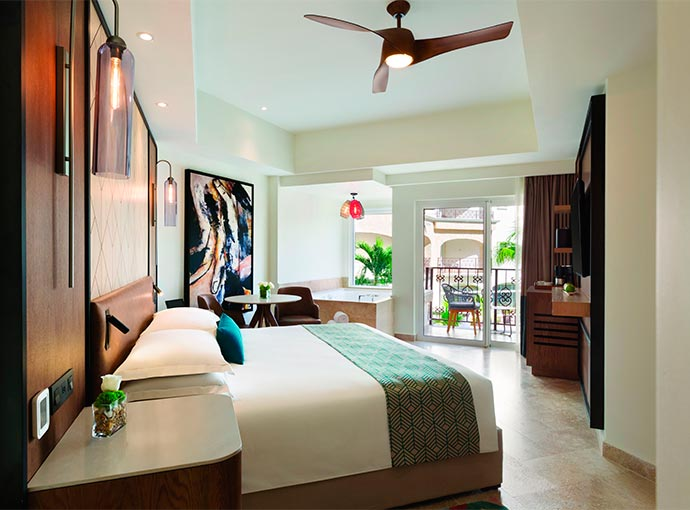 Junior Suite - 1 King Bed