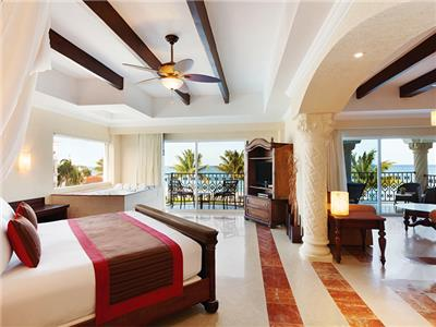 One Bedroom Suite Oceanfront - 1 King Bed