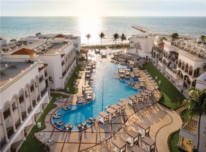 fachada Hilton Playa del Carmen, an All-inclusive Resort