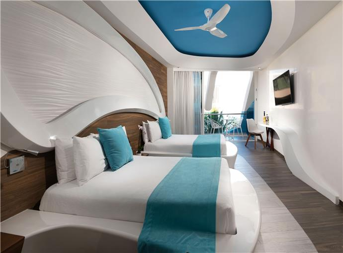 Deluxe Suite 2 Beds Partial Ocean View