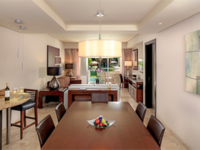 Una Habitación Master Suite Swim Up Family Concierge