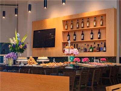 Frutas y Flores Restaurant