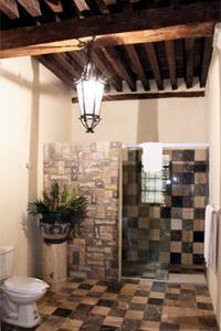 King - Bathroom