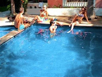 Pool - Friends