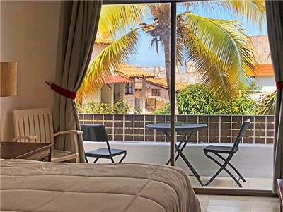 Premium Parctial Ocean View Balcony 1 King Bed
