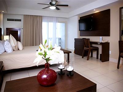 Premium Suite Frente al Mar con Balcón y Desayuno