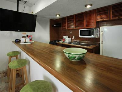 One Bedroom Suite Oceanfront Non Refundable - Kitchen