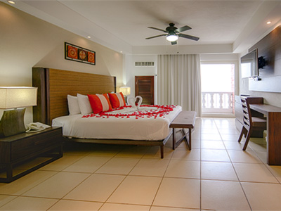 Oceanfront Honeymoon Suite with Balcony
