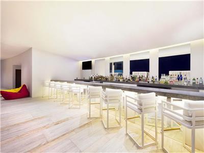 Divina Sky Bar